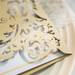 Faire-part ciselé portes princières 2 rabats or nacré et blanc avec personnalisation