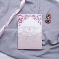 Faire-part ciselé pochette dentelle romantique rose